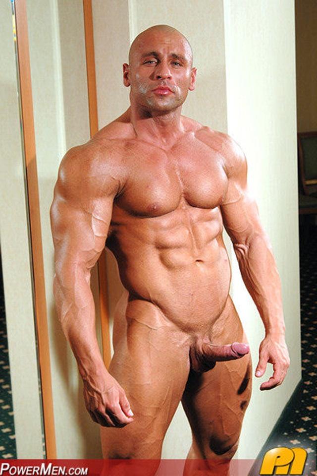 video-of-naked-musclemen