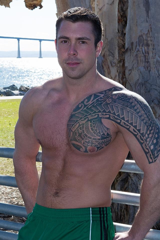 Tattooed-muscle-hunk-Bran-SeanCody-bareback-gay-ass-fuck-American-boys-men-ripped-abs-jocks-raw-sex-porn-02-pics-gallery-tube-video-photo