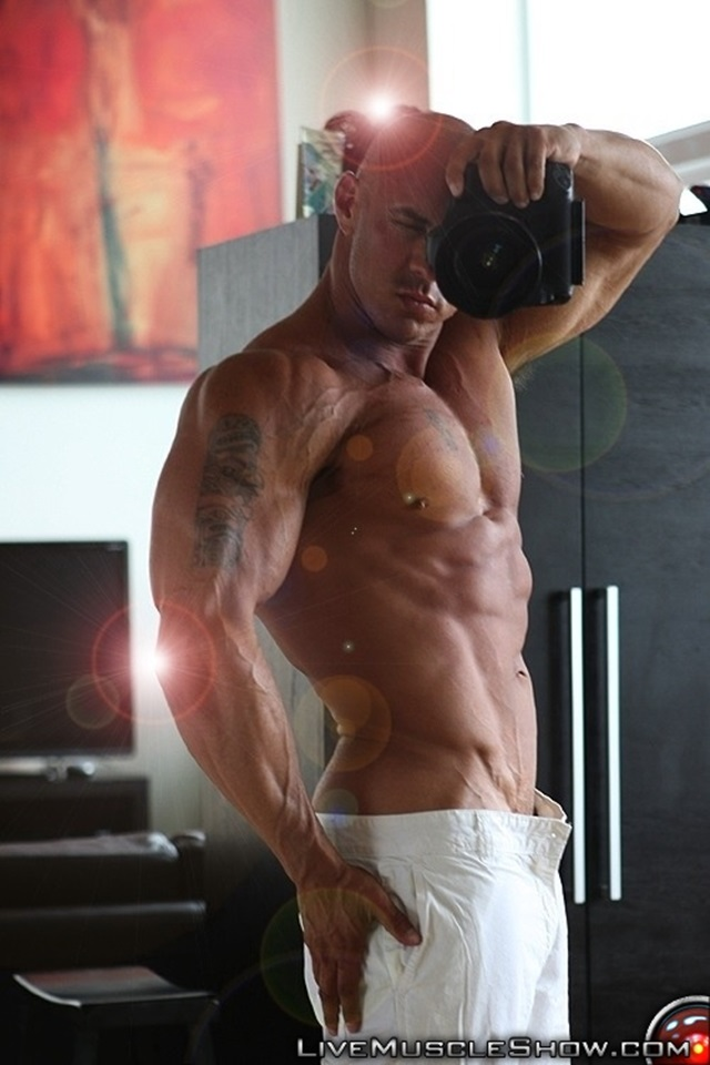 Vin-Marco-Live-Muscle-Show-Gay-Porn-Naked-Bodybuilder-nude-bodybuilders-gay-fuck-muscles-big-muscle-men-gay-sex-005-gallery-video-photo