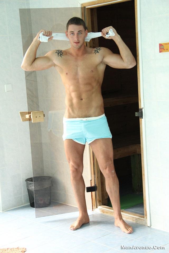 Man-Avenue-Muscle-hunk-Enzo-Bloom-big-muscle-huge-hard-cock-fucking-boner-fully-erect-002-male-tube-red-tube-gallery-photo