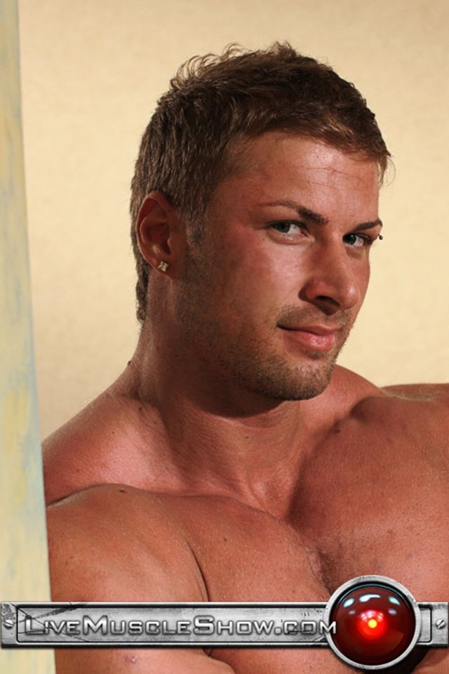 Live-Muscle-Show-Kane-Griffin-muscle-builder-muscled-hunk-young-abdominal-muscles-live-webcam-chat-006-male-tube-red-tube-gallery-photo