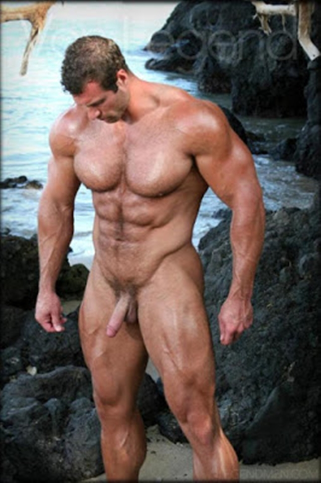 Legend-Men-nude-bodybuilder-bearded-hairy-chested-hunk-Von-Legend-aka-Matt-Davis-strips-bare-big-muscle-dick-002-male-tube-red-tube-gallery-photo