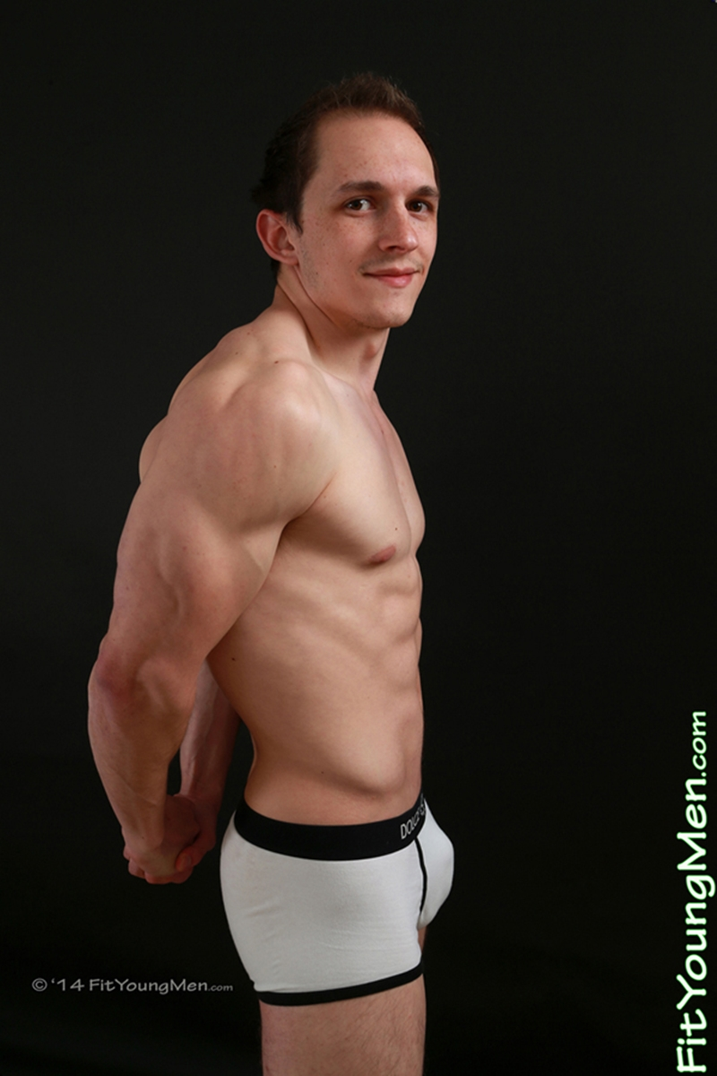 FitYoungMen-Naked-Men-Pics-straight-nude-sportsman-Tom-Edwards-Personal-Trainer-Age-20-year-old-underwear-ripped-abs-big-muscle-005-tube-download-torrent-gallery-photo