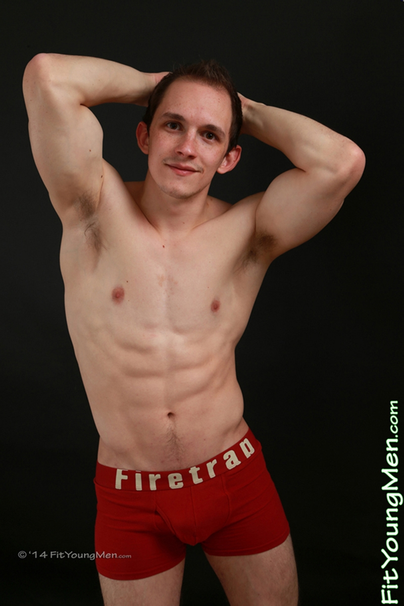 FitYoungMen-Naked-Men-Pics-straight-nude-sportsman-Tom-Edwards-Personal-Trainer-Age-20-year-old-underwear-ripped-abs-big-muscle-008-tube-download-torrent-gallery-photo