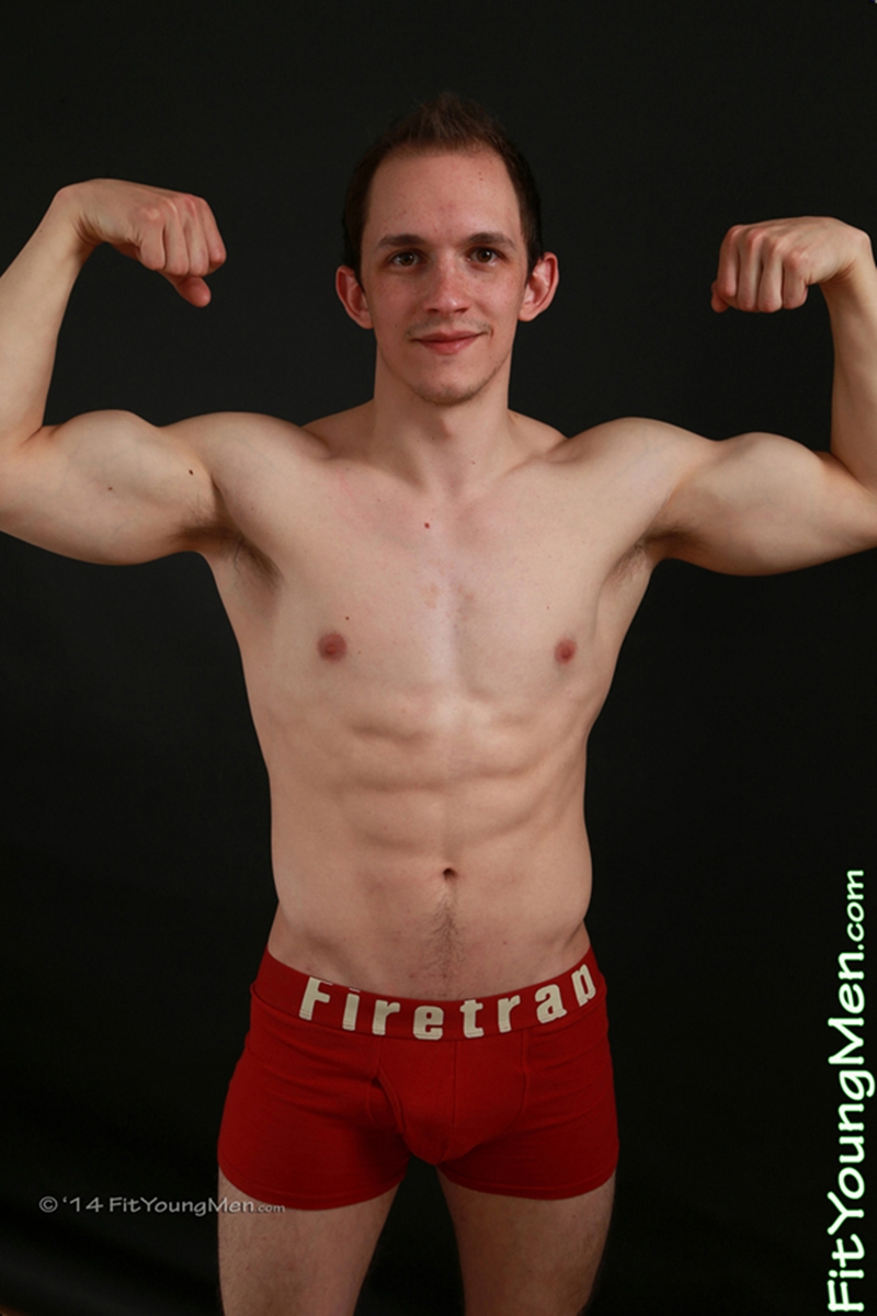 FitYoungMen-Naked-Men-Pics-straight-nude-sportsman-Tom-Edwards-Personal-Trainer-Age-20-year-old-underwear-ripped-abs-big-muscle-009-tube-download-torrent-gallery-photo