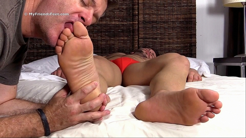 fut-fetish-so-spyashimi-video