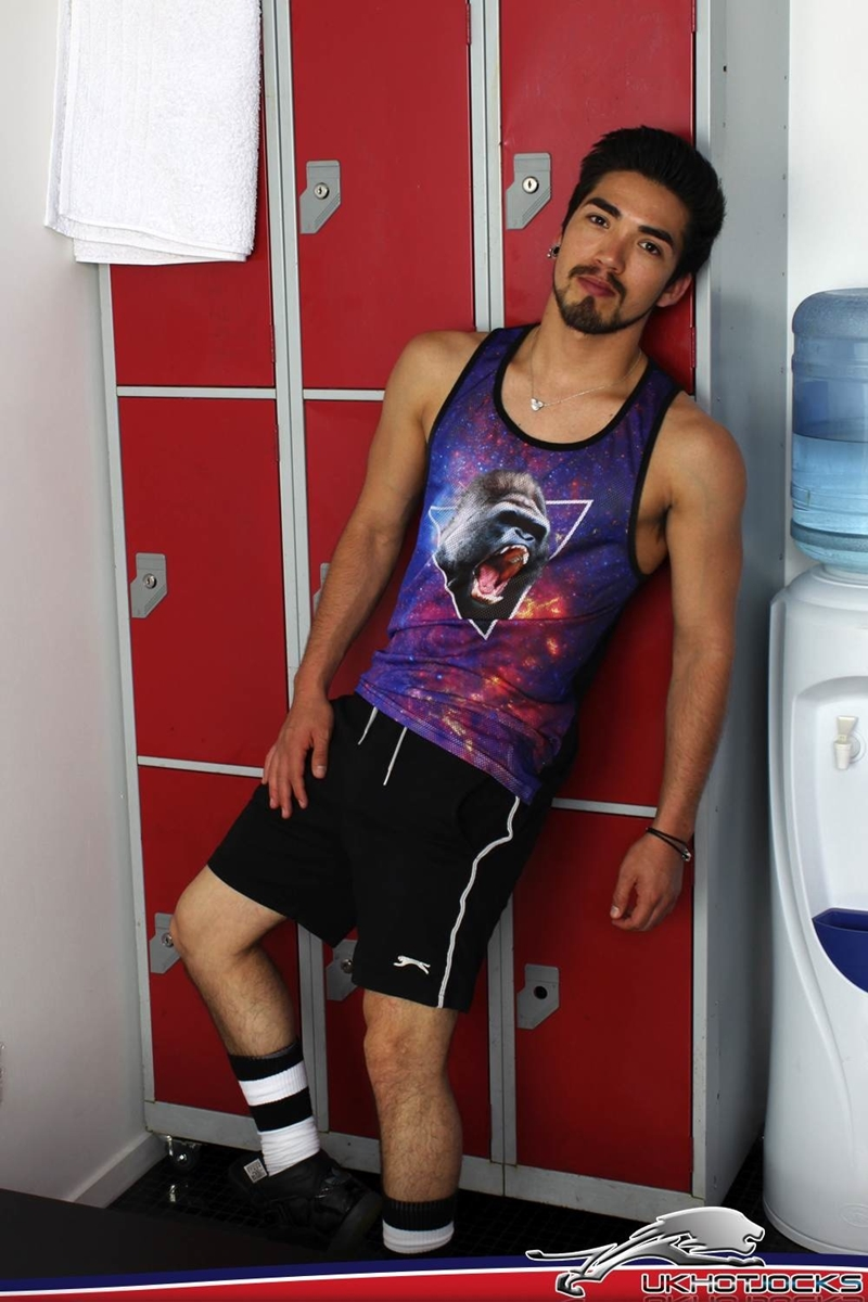 UKHotJocks-Sexy-cute-Alexis-Belfort-gorgeous-exhibitionist-locker-room-sexy-pierced-nipples-crotch-dick-shorts-hot-horny-locker-jock-004-tube-download-torrent-gallery-sexpics-photo