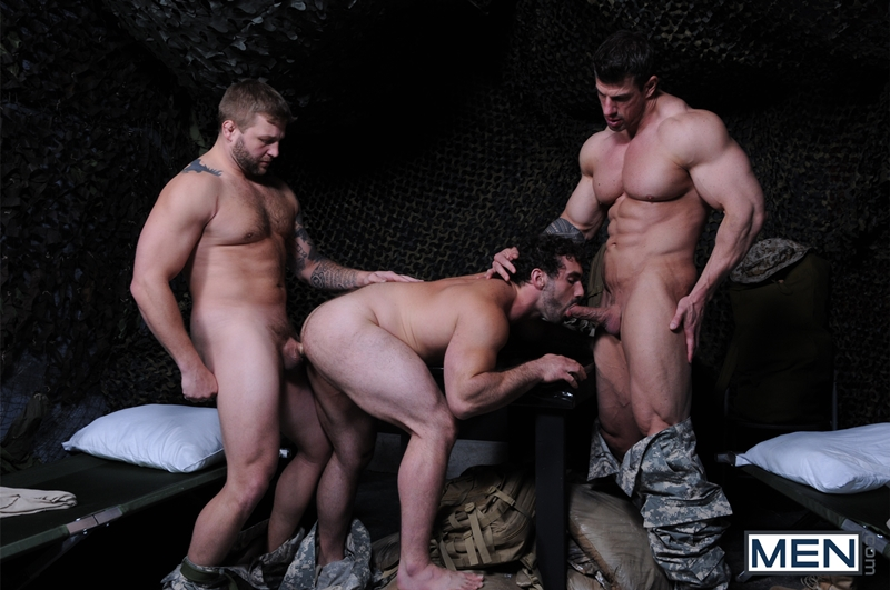 Men-com-Military-Tour-Duty-beefy-threesome-Zeb-Atlas-Colby-fucking-Jaxton-Wheelers-muscle-butt-horny-cock-whore-mouth-ass-008-tube-download-torrent-gallery-sexpics-photo