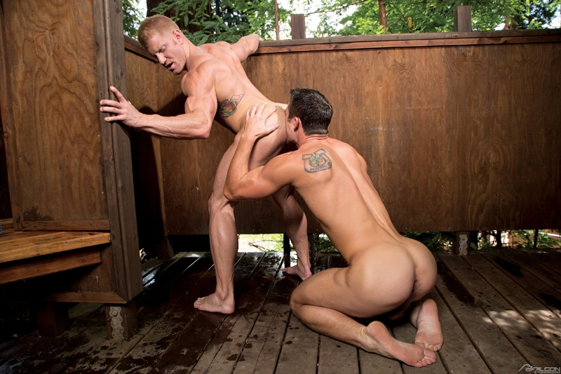 FalconStudios-sexy-Johnny-V-blond-tattooed-muscled-body-Ryan-Rose-naked-men-big-dicks-muscle-ass-rimming-butt-fucking-abs-004-tube-video-gay-porn-gallery-sexpics-photo