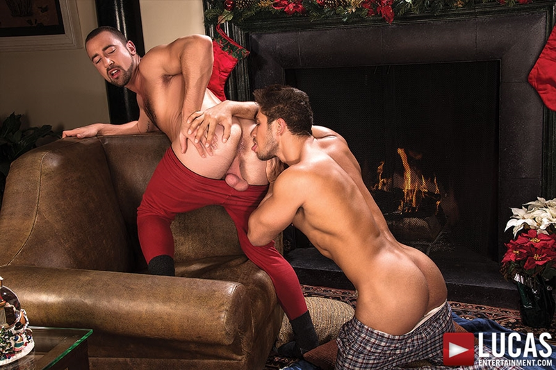 LucasEntertainment-Nigel-Banks-bareback-Donnie-Dean-Dato-Foland-sweaty-sex-raw-fucking-bare-fucks-gay-threesome-006-tube-video-gay-porn-gallery-sexpics-photo