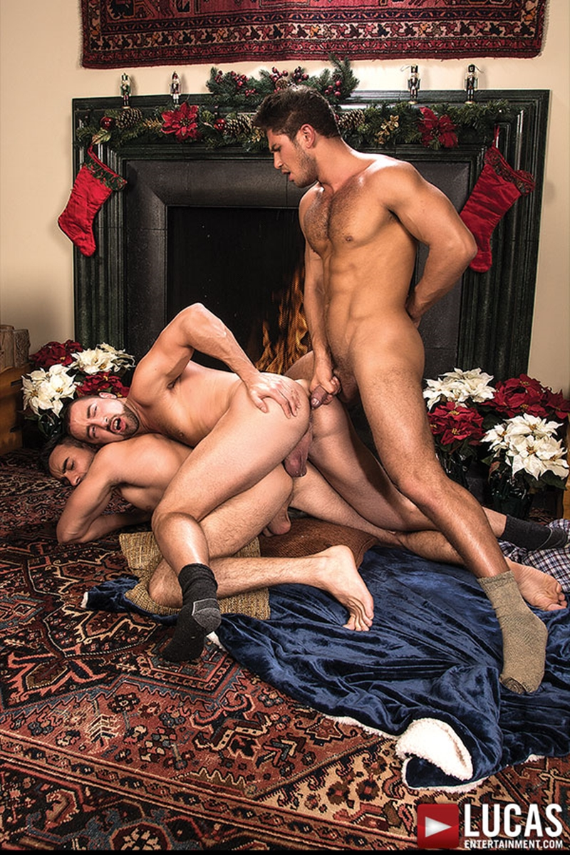 LucasEntertainment-Nigel-Banks-bareback-Donnie-Dean-Dato-Foland-sweaty-sex-raw-fucking-bare-fucks-gay-threesome-015-tube-video-gay-porn-gallery-sexpics-photo