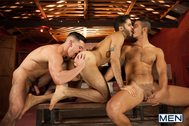 Men-Of-Uk-Paddy-OBrian-Tony-Milan-and-John-Hinkel-fuck-orgy-ass-fucking-butt-asshole-rimming-cocksucker-001-tube-video-gay-porn-gallery-sexpics-photo