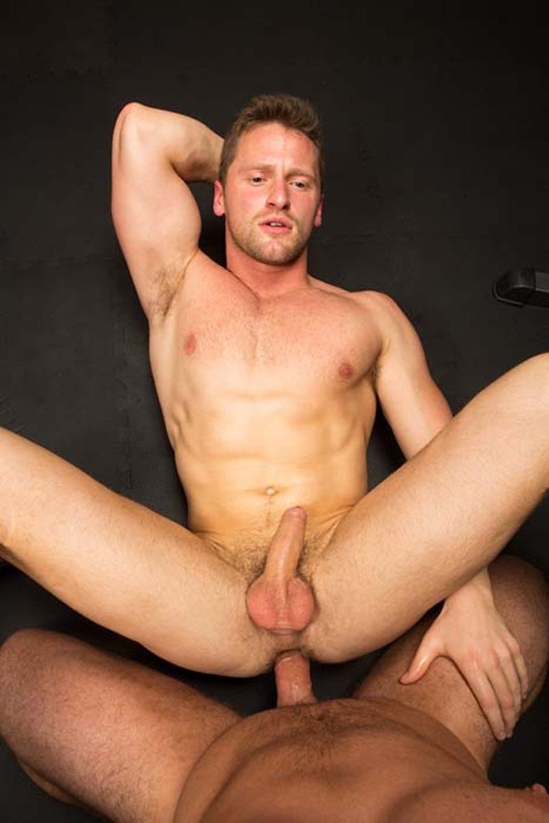 SeanCody-ripped-muscled-stud-Brodie-bareback-fucks-Brendan-big-erect-uncut-dick-bubble-butt-ass-cheeks-man-hole-muscle-cum-011-gay-sex-porno-porn-pics-gallery-photo