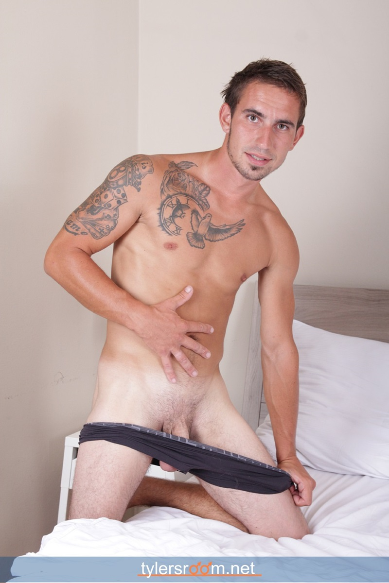 TylersRoom-naked-young-man-Sexy-27-year-old-Chris-Reed-tattooed-ripped-toned-body-big-uncut-cock-jerking-muscle-hunk-10-gay-porn-star-sex-video-gallery-photo