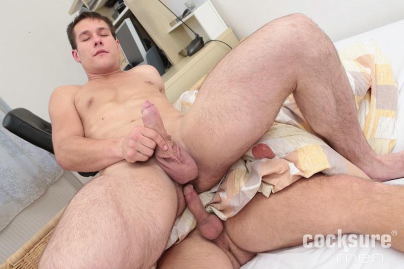 CocksureMen-sexy-tattoo-muscle-hunks-Ondrej-Oslava-Ismael-Alrasid-men-kissing-sucking-huge-thick-bare-raw-cock-bareback-fucking-04-gay-porn-star-sex-video-gallery-photo