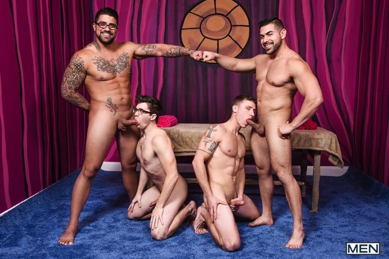 Men for Men Blog Gay-Porn-Pics-002-Damien-Stone-Justin-Matthews-Ryan-Bones-Will-Braun-Muscle-bound-stud-hardcore-ass-fucking-orgy-Men Muscle bound stud Damien Stone, Justin Matthews, Ryan Bones and Will Braun hardcore ass fucking orgy Men