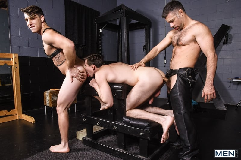 Men for Men Blog Gay-Porn-Pics-012-Tristan-Jaxx-Jack-Hunter-Paul-Canon-Hardcore-leather-big-dick-fucking-orgy-Men Hardcore leather big dick fucking orgy with Tristan Jaxx , Jack Hunter and Paul Canon Men