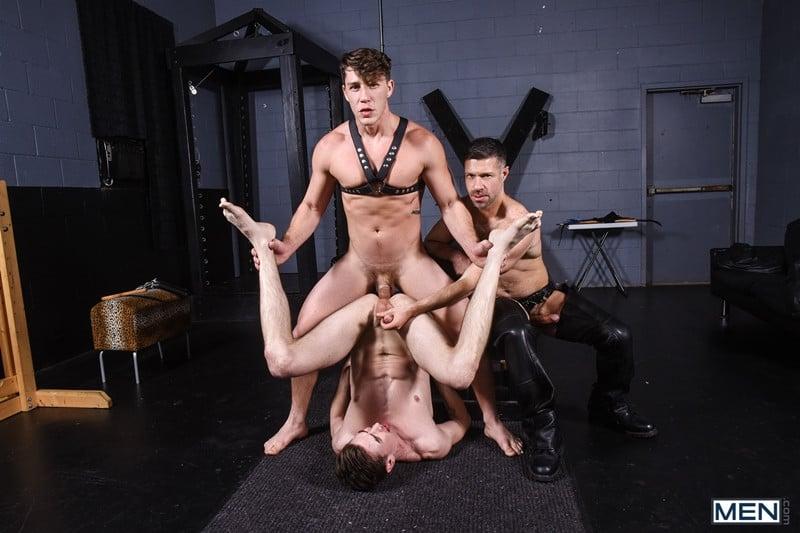 Men for Men Blog Gay-Porn-Pics-017-Tristan-Jaxx-Jack-Hunter-Paul-Canon-Hardcore-leather-big-dick-fucking-orgy-Men Hardcore leather big dick fucking orgy with Tristan Jaxx , Jack Hunter and Paul Canon Men