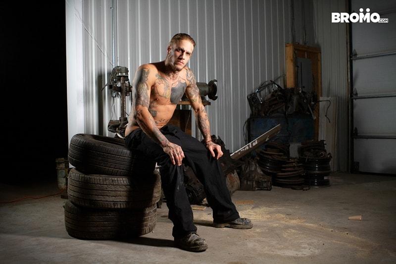 Interracial-anal-fucking-tattooed-white-boy-Bo-Sinn-Trent-King-tight-black-ass-Bromo-003-Gay-Porn-Pics