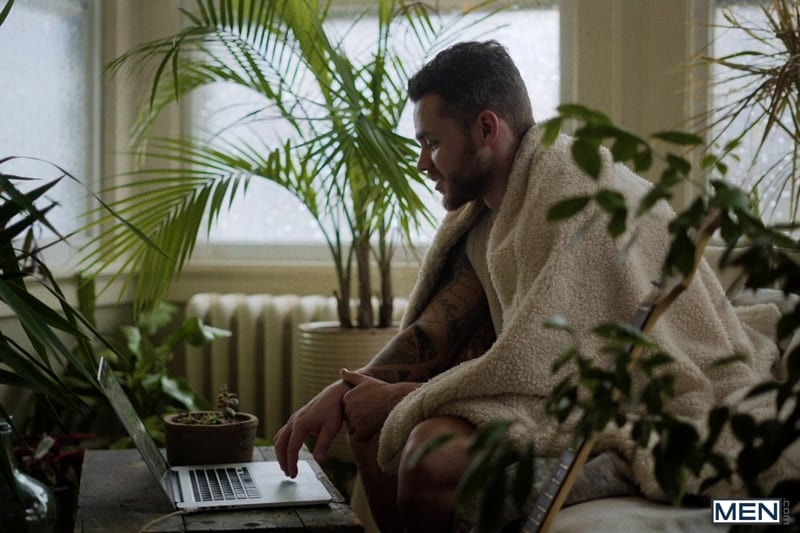Matthew-Camp-hairy-bearded-hunks-steamy-hot-sex-session-Levi-Wolfe-Hawaii-fuck-long-hard-Men-003-FitYoungMen-Young-stud-Paolo-Ferrari-ripped-body-big-uncut-dick