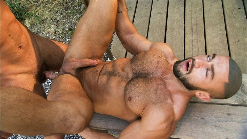 Horny muscle stud Francois Sagat's tight bubble ass fucked by ripped dude Viktor Jones's huge dick at Titan Men